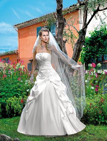 Salon des robes de mariage pas cher 9