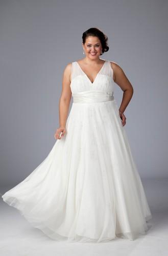 Collection robes de mari e grande taille sydney 39 s closet for Robe taille plus pour mariage